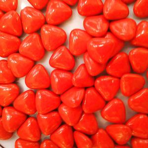 Dragées mini cœur rouge (25E/KG)