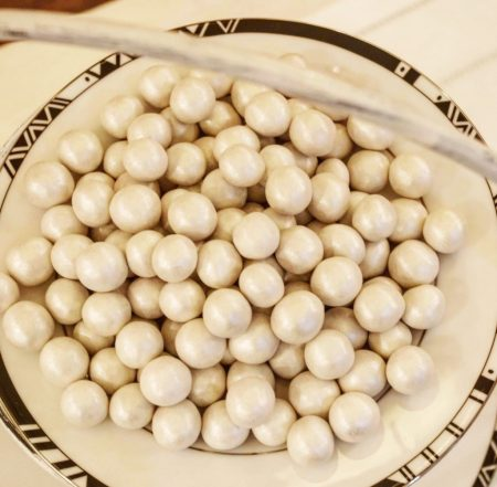 perles noisettes blanc nacré