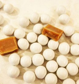 dragées caramel