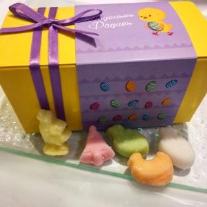 Grande boîte de bonbons fondants de Pâques 300g