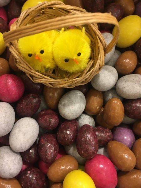 assortiment d'oeufs de Pâques
