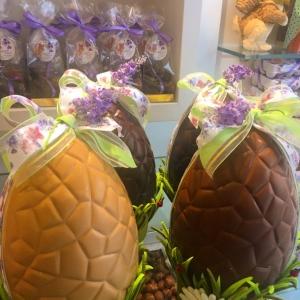 Oeuf de Pâques vente en boutique exclusivement