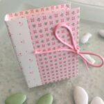Livre à dragées en carton rose